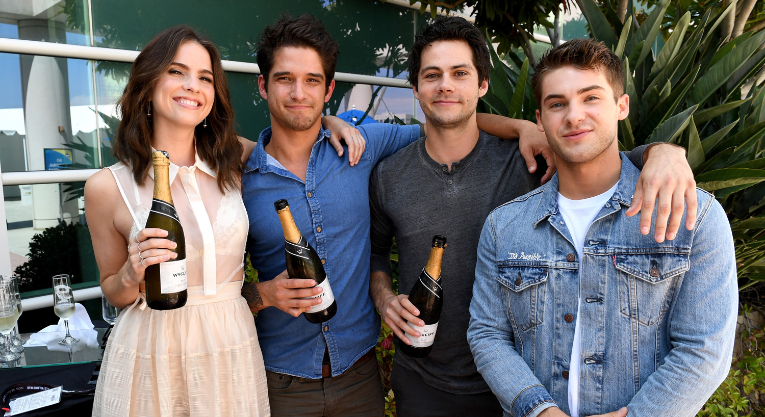 Dylan obrien reunites with teen wolf cast at comic con 2017 2017 comic con charlie carver cody christian dylan obrien dylan sprayberry khylin rhambo linden ashby melissa ponzio teen wolf tyler posey just kristyandbryce Image collections