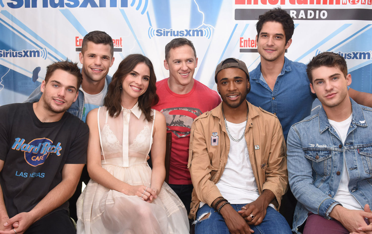 Dylan Obrien Reunites With Teen Wolf Cast At Comic Con 2017