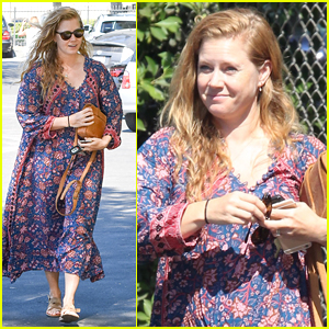 Amy Adams Looks Stunning While Going Makeup-Free in LA