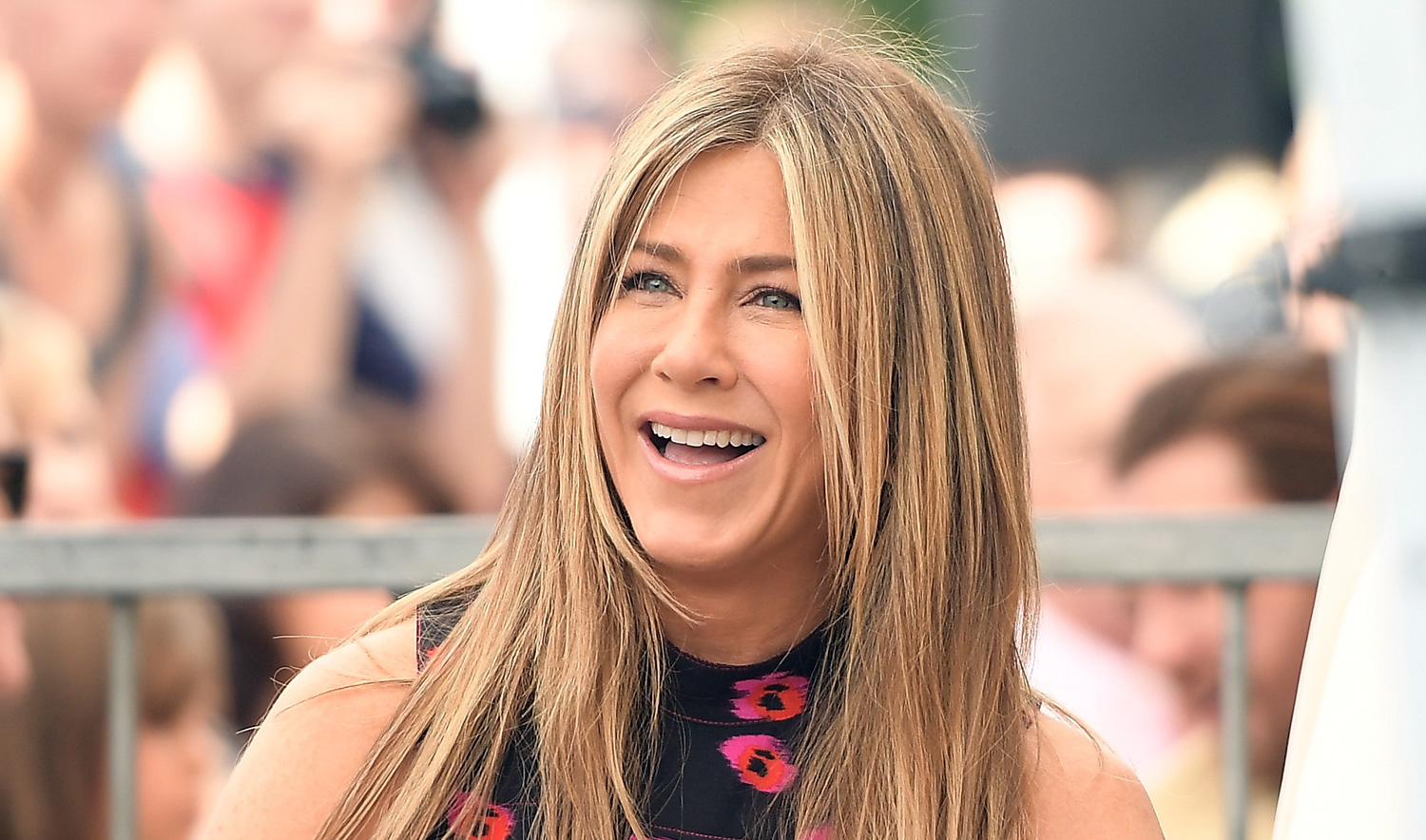 Jennifer Aniston to Star in an Untitled R-Rated Comedy ... Jennifer Aniston Movies