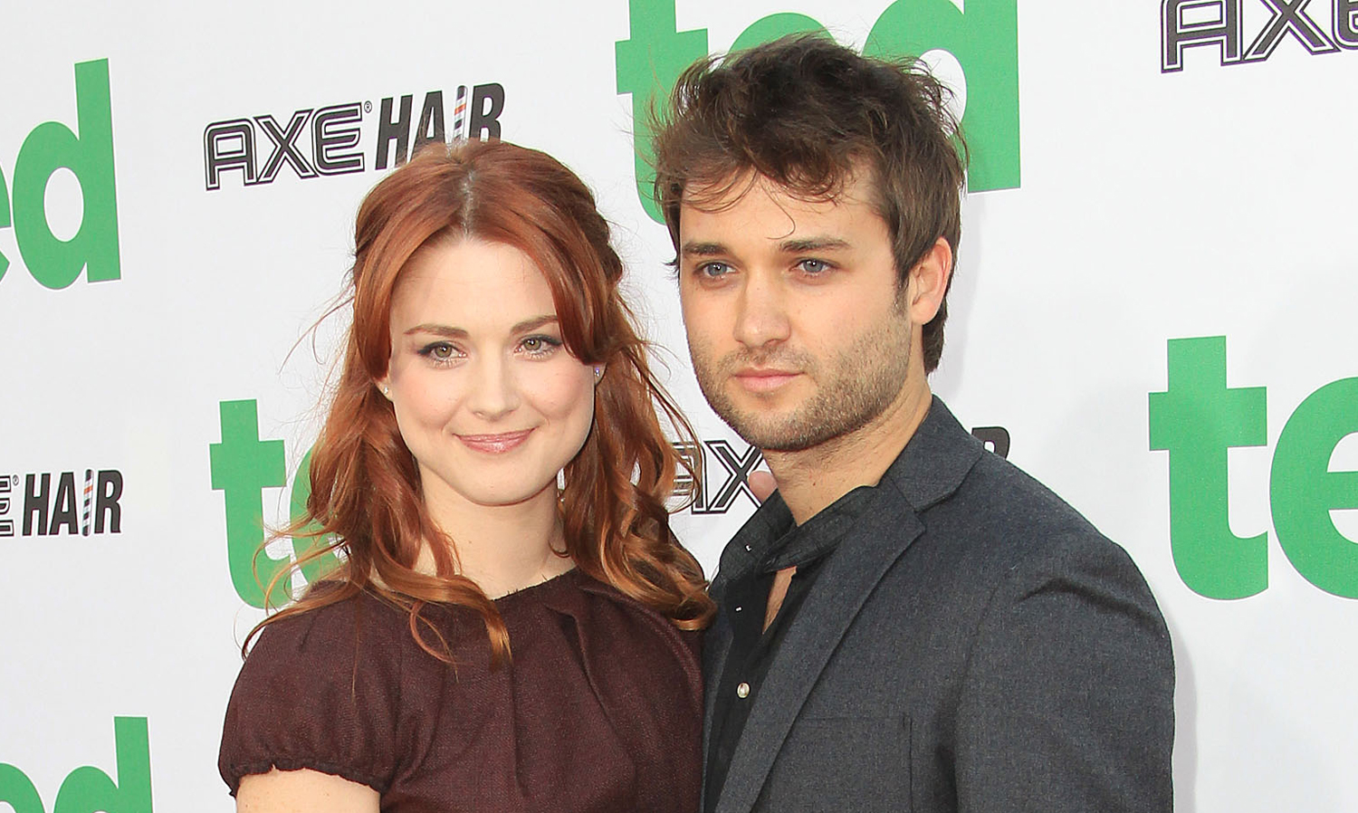 this is us star alexandra breckenridge husband casey hooper