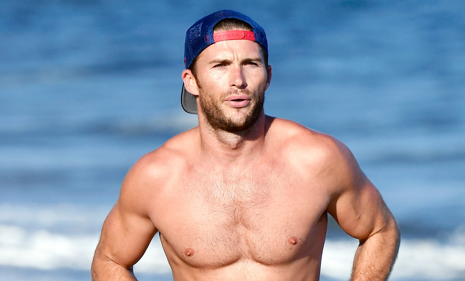 Scott Eastwood Goes Shirtless For A Run Along The Beach