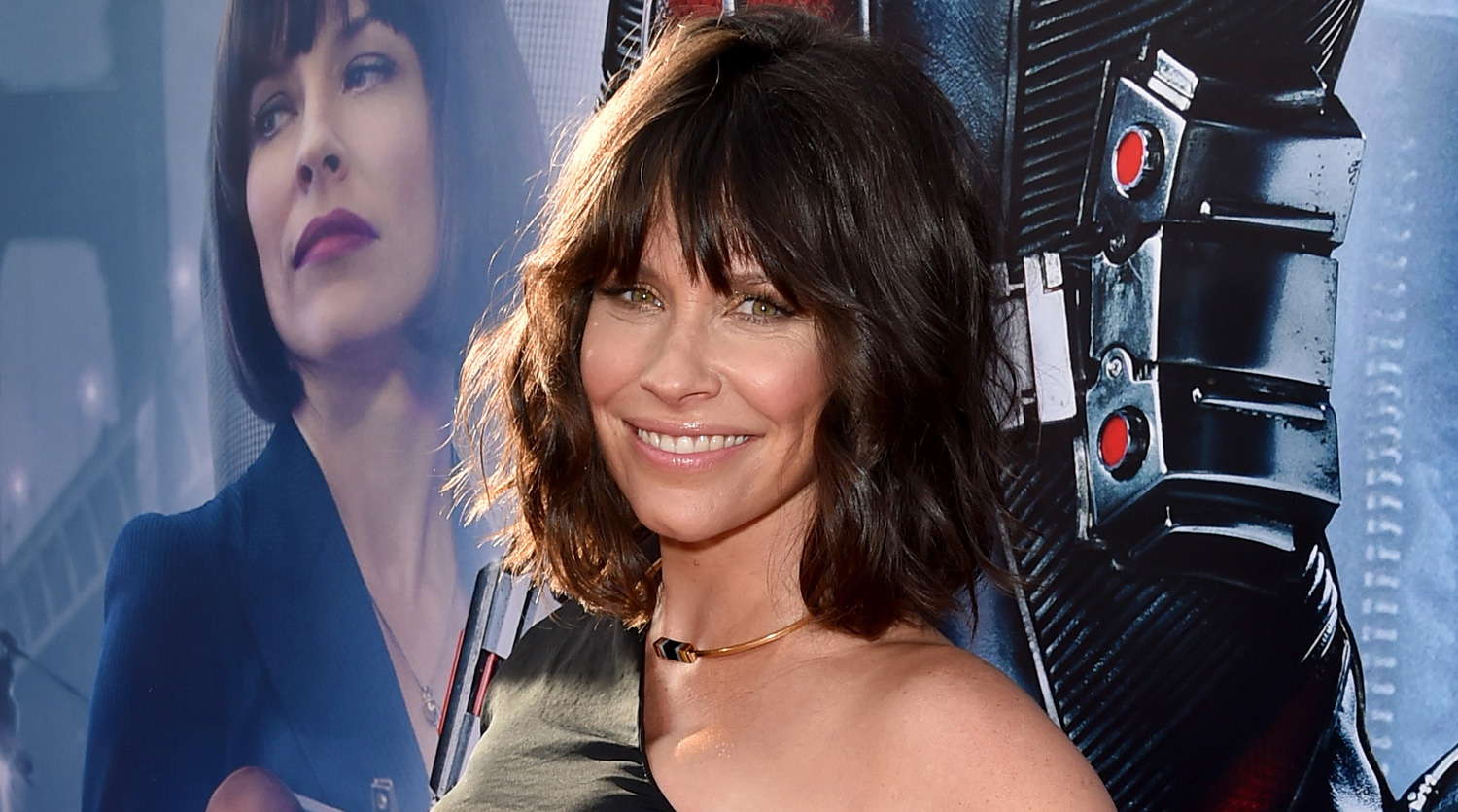 evangeline men Evangeline lilly's hope van dyne wasn't exactly sidelined during the first ant- man movie, but she was clearly waiting for her chance to step up.