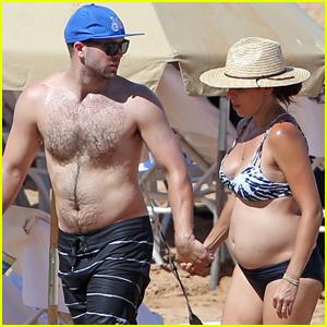 Commit error. Jamie lynn sigler bikini draw?