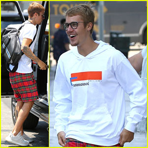 Justin Bieber Looks Super Stoked For Last Day of Zoe Conference
