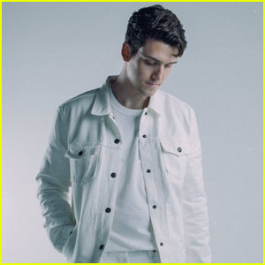 Lauv: 'I Like Me Better' Music Video, Stream, Lyrics & Download - Watch Here!