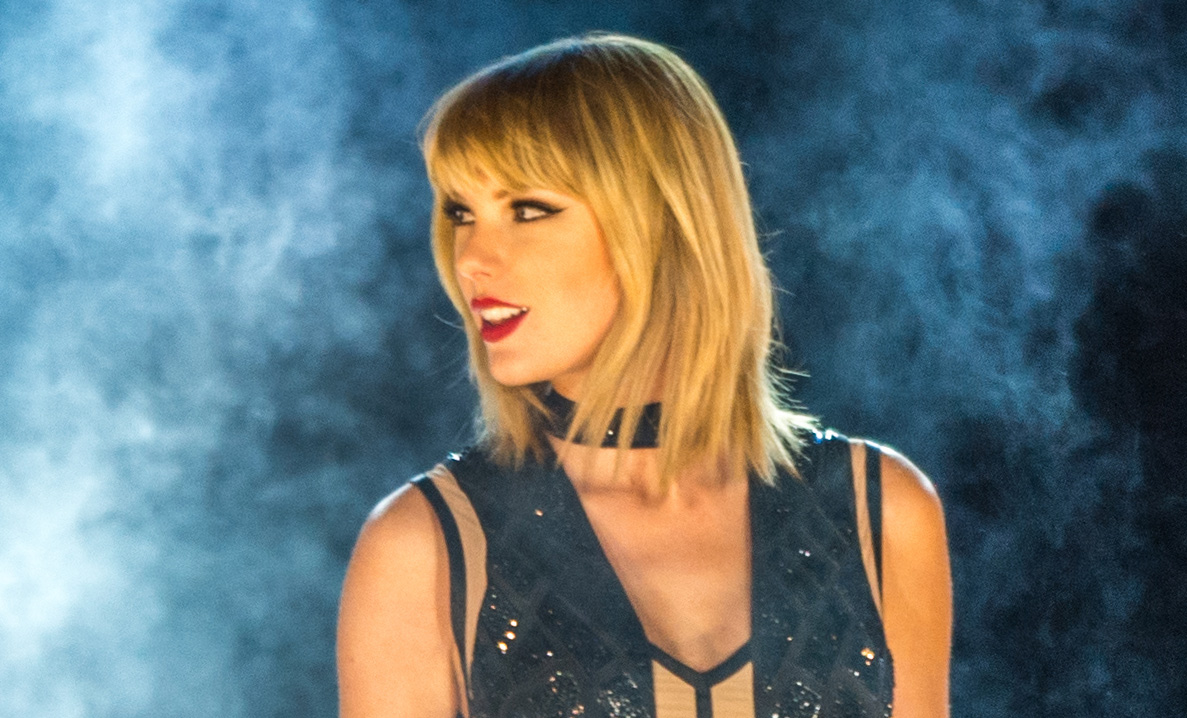 Taylor Swift Fans React to New Video, Possible Eclipse Single ...