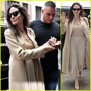 Angelina Jolie Looks Chic While Posing With Fans in NYC!