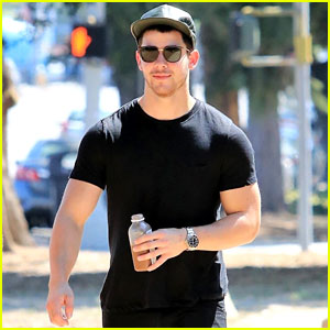 Nick Jonas Looks Buff While Walking Around Studio City