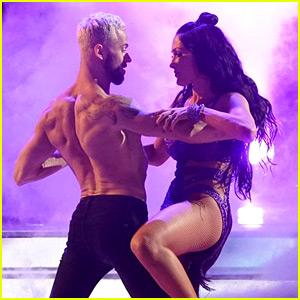 Nikki Bella Dances to 'Despacito' on 'DWTS' Latin Night (Video)