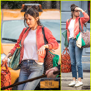 Selena Gomez Gets Caught in the Rain While Filming in NYC!