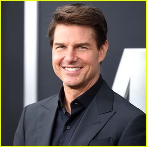 Tom Cruise Denies Wearing Butt Prosthetics in 'Valkyrie'