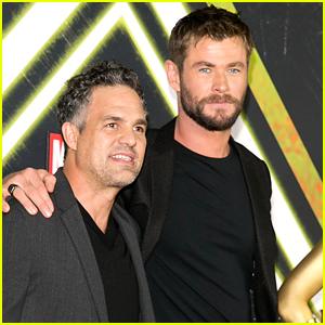 Chris Hemsworth & Mark Ruffalo Buddy Up for 'Thor: Ragnarok' Screening in Australia