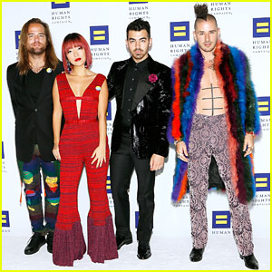 DNCE Performs at HRC National Dinner 2017