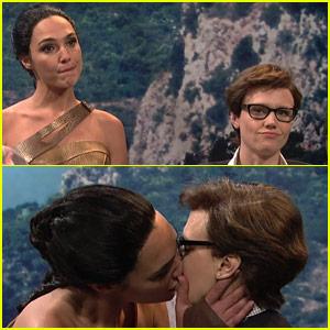 Gal Gadot & Kate McKinnon Kiss in 'Wonder Woman' Parody - Watch Now!