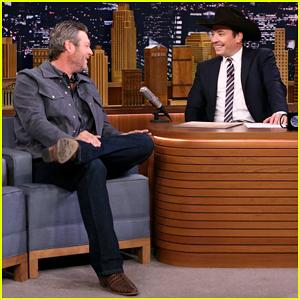 Jimmy Fallon Serenatas Blake Shelton Con ''ll Nombre de los Perros' 'Tonight Show' - Ver Aquí!