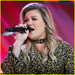 Kelly Clarkson Sings 'Meaning of Life' Song for 'Today' Concert!