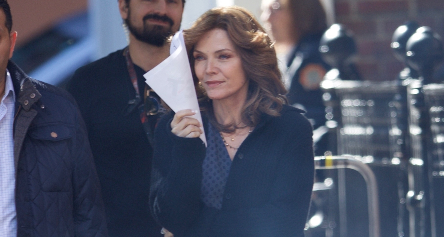 michelle pfeiffer spotted on �antman amp the wasp� set for