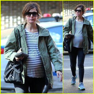 Rose Byrne Shows Off Major Baby Bump While Shopping in New York!