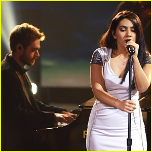 Alessia Cara Joins Zedd at AMAs 2017 for a Performance of 'Stay' - Watch!