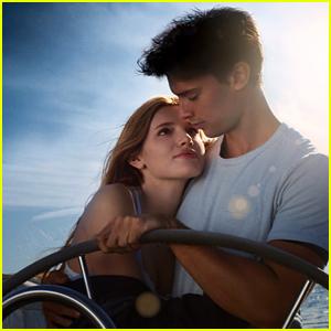 la Bella Thorne & Patrick Schwarzenegger's 'el Sol de Medianoche' Se pone Romántico Cartel