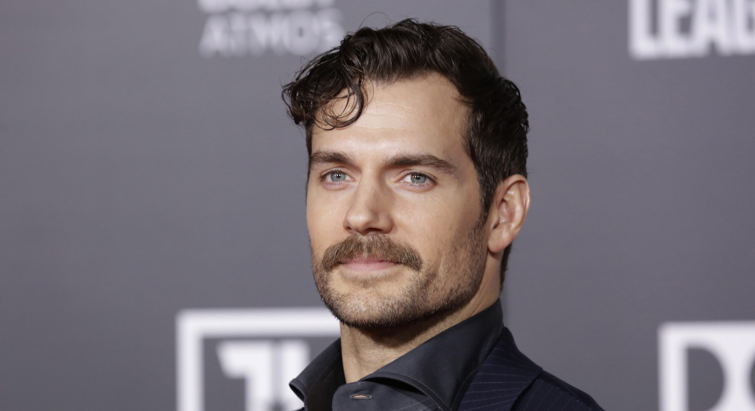 Non-American Henry Cavill Gives His American Dog a ...