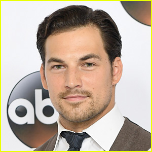 Grey's Anatomy's Giacomo Gianniotti Is Engaged!