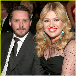 Kelly Clarkson Thought She Was Asexual Until Meeting Her Husband