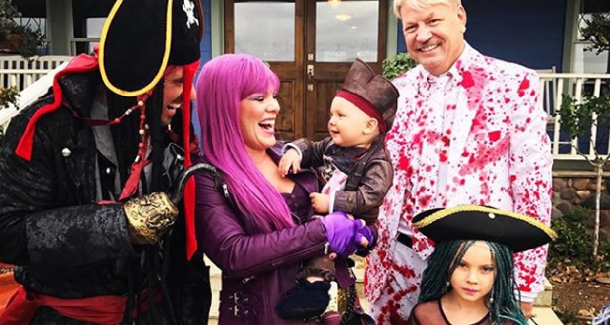 pink & her family channel disney 'descendants' for halloween! | 2017