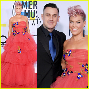 Pink is Supported by Husband Carey Hart at American Music Awards 2017