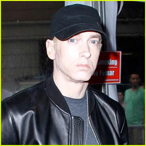 Eminem Admits That He Uses Tinder... & Grindr?!