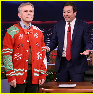 Jimmy Fallon Christmas Sweaters.Jimmy Fallon Forces Christoph Waltz To Get Into Holiday