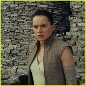 'Star Wars: The Last Jedi' Narrowly Wins Last Weekend Box Office of 2017