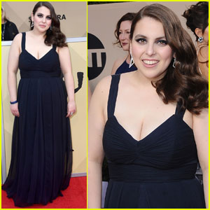 Beanie Feldstein Wore Her Prom Dress to the SAG Awards!