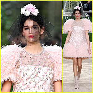 Kaia Gerber Stuns on the Runway at Chanel Spring Summer 2018 Show!