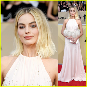 Margot Robbie Is Pretty in Pink on the Red Carpet at SAG Awards 2018!