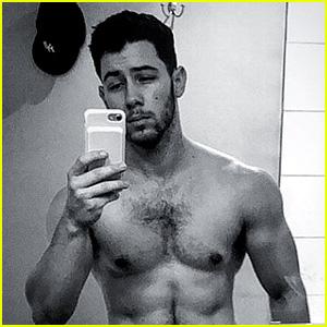 Nick Jonas Is As Hot As Ever In This Shirtless Selfie!