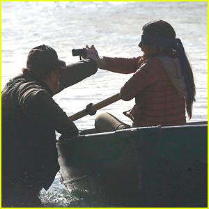 Sandra Bullock Dispara un Arma en una Dramática Escena en el Set de 'el Pájaro Cuadro de'!