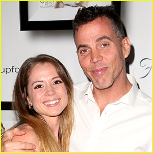 Steve-O Is Engaged to Lux Wright - See Her Ring!