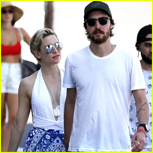 Kate Hudson & Boyfriend Danny Fujikawa Step Out to Lunch in Australia!