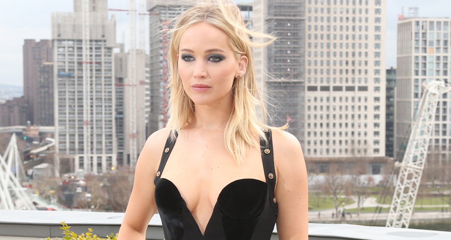 Jennifer Lawrence Nude While Standing In Front Of A Window nudes (24 photo), Paparazzi Celebrity picture