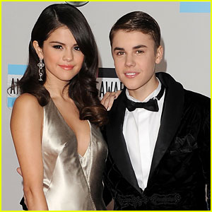 Justin Bieber -amp; Selena Gomez Spend Sunday Funday Poolside