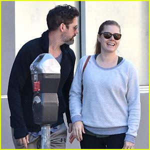 Amy Adams & Darren Le Gallo Do Their Morning Errands Together