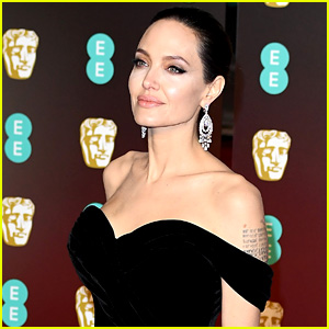 Original 'Tomb Raider' Director Reveals Why It Was Difficult to Cast Angelina Jolie