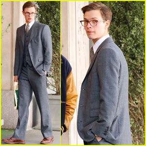 Ansel Elgort Suits Up While Filming 'The Goldfinch' Scene