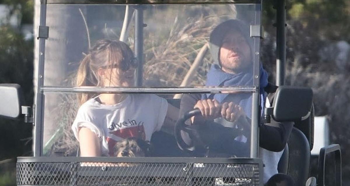 Dakota Johnson Amp Chris Martin Cruise Around In His Golf