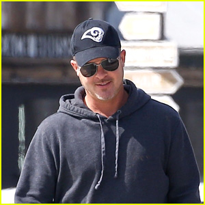 Robin Thicke Goes Grocery Shopping After Welcoming Daughter With Girlfriend April Love Geary!