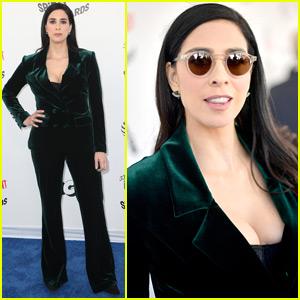 Sarah Silverman Rocks Sunglasses & Velvet Suit for Spirit Awards 2018