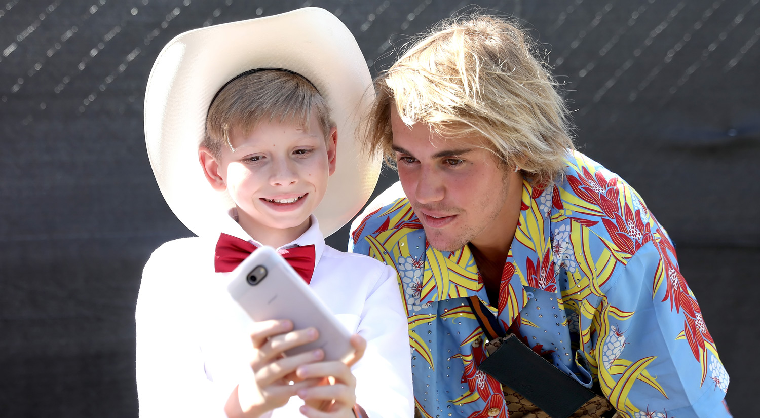 Justin Bieber Yodels Around Coachella After Meeting ...