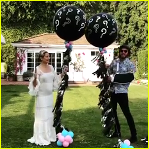 Kate Hudson Is Pregnant, Expecting First Child With Danny Fujikawa - Watch the Gender Reveal!